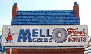 OH, Lima-OH 81 Mello Creme Donuts Building Neon Sign | by Alan C of Marion,IN