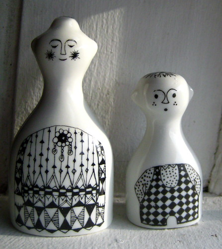 """Emilia"" from Arabia Finland salt & pepper 
