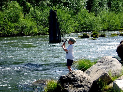 Fishing on the feather river near foxwood foxwood lake for Lake almanor fishing report