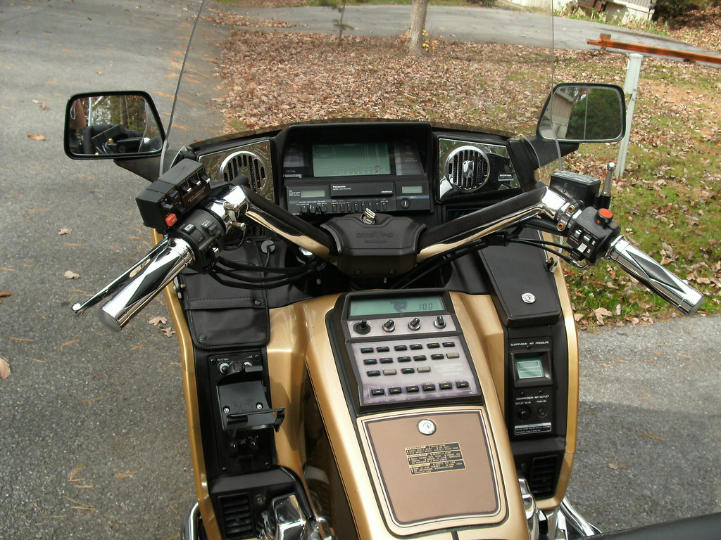 Buy 1985 honda gold wing 1200 limited edition touring on 2040-motos.