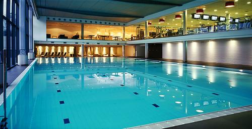 Metropolitan swimming pool hotel hesperia tower - Metropolitan swimming pool karachi ...