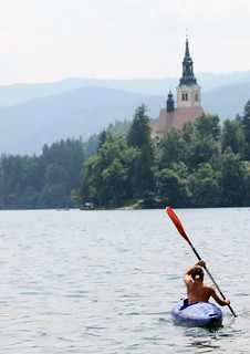 Canoeist On Lake Bled A Surreally Beautiful Place Flickr