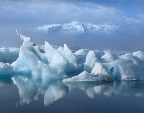 Glacier Lagoon | by walking along