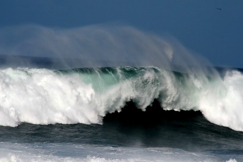 Awesome Wave | by Isolino
