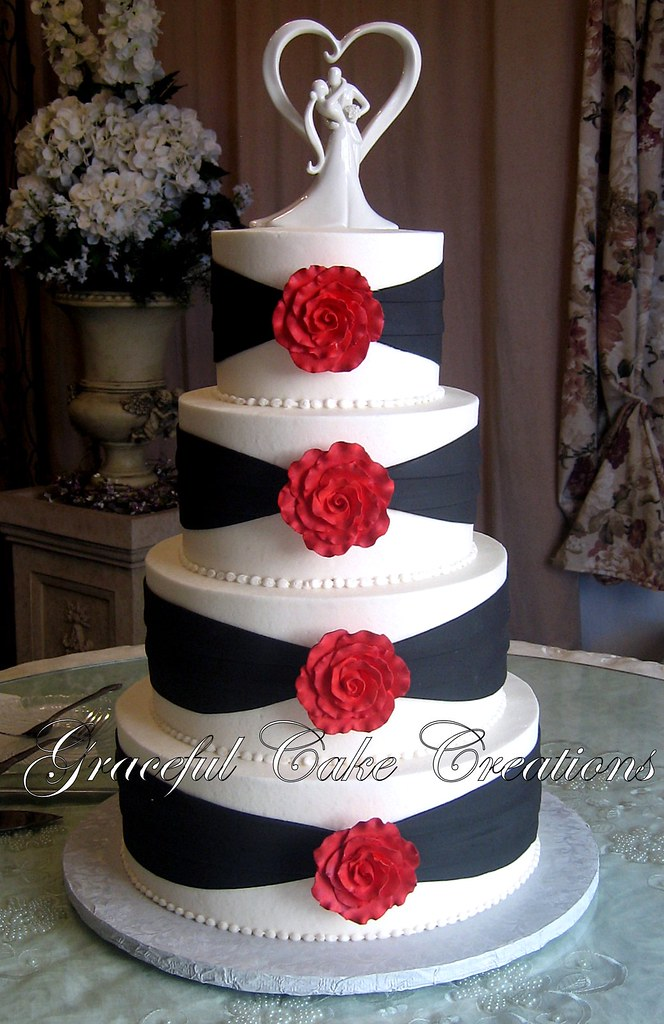 Elegant White and Black Wedding Cake with Red Roses | Flickr