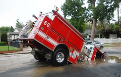 LAFD Engine 60 in Sinkhole | by LAFD