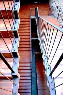 Uned escuelas p as aulario interior escalera 10770 flickr for Uned madrid escuelas pias