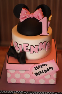 1st Birthday cake with candle | by Andrea's SweetCakes