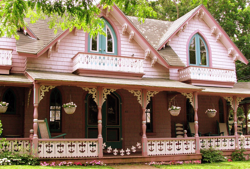 Gingerbread house in Martha's Vineyard | by bagting