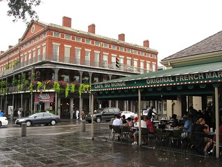 Cafe Du Monde, Decatur Street, French Quarter, New Orleans, Louisiana (2) | by Ken Lund