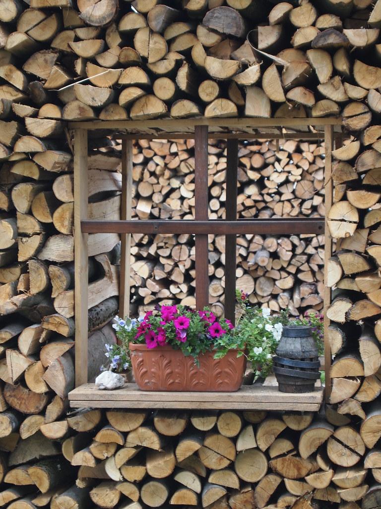 Kreatives Holz Aufsetzen | By Jodage Kreatives Holz Aufsetzen | By Jodage