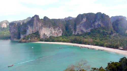 rai leh beach from thai wand wall, krabi | by hopemeng