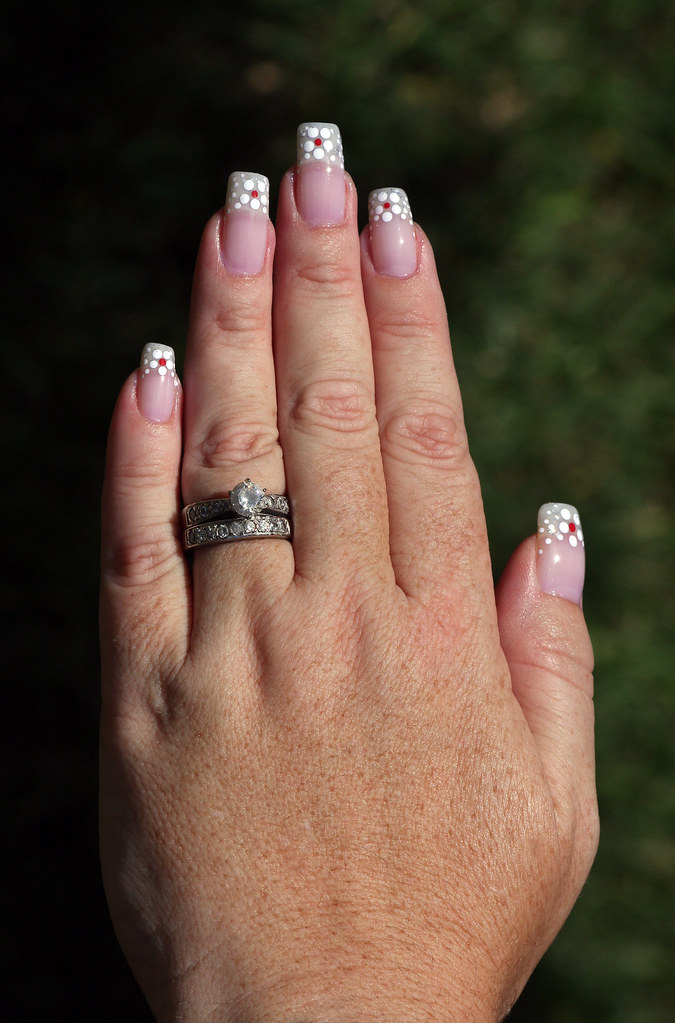 My Left Hand - Polka Dot Daisy French Manicure With Red Ce… | Flickr