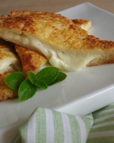 Mozzarella in carrozza | by Patricia Scarpin