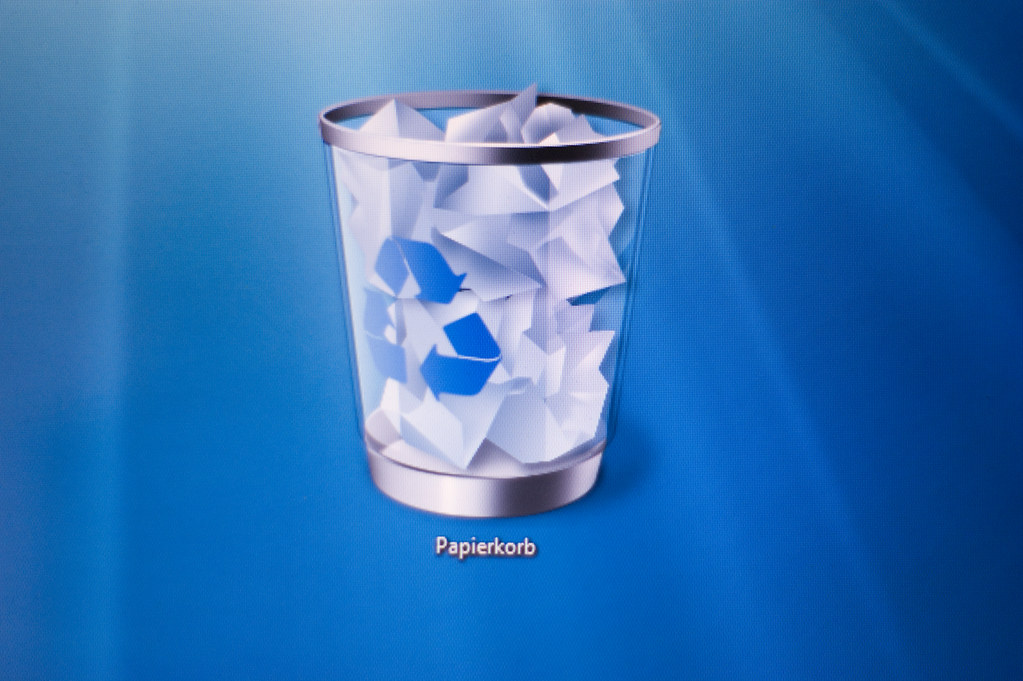 Windows 7 Recycle bin ko desktop se kaise hataye