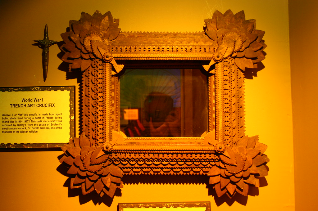 Tramp Art Mirror - Made from Cedar Cigar Boxes | Taken at th… | Flickr