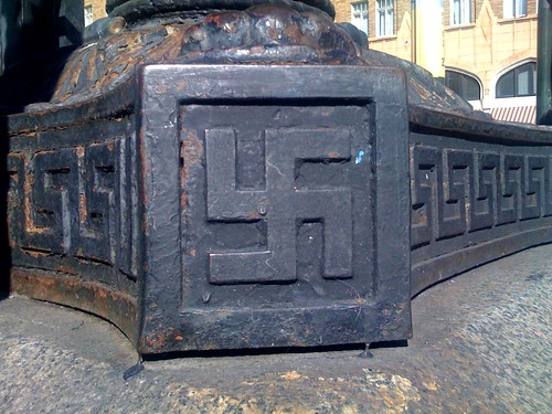 Swastika in San Francisco | by Franco Folini
