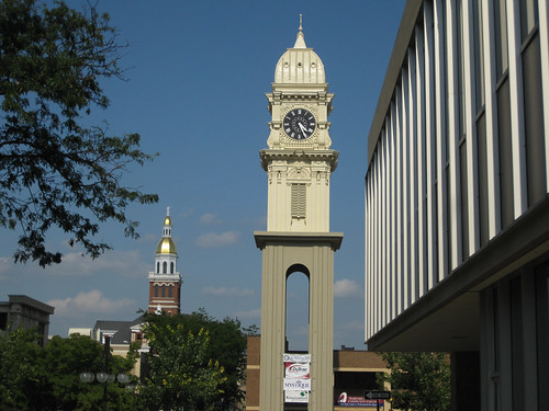 Dubuque Town Clock with Courthouse | by puroticorico
