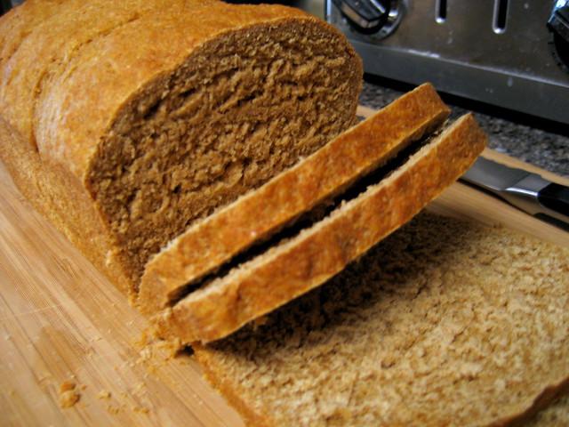 teljes kiőrlésű kenyér melasz