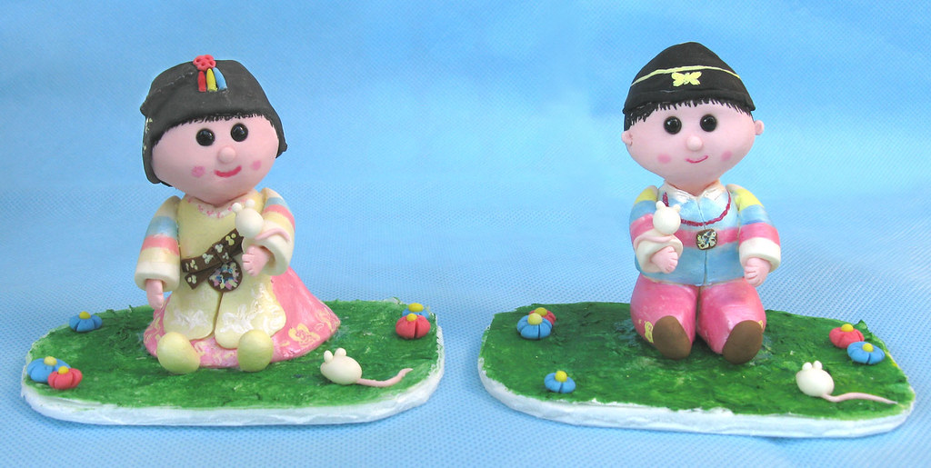 Korean Dol First Birthday Cake Toppers Boy And Girl Wit Flickr