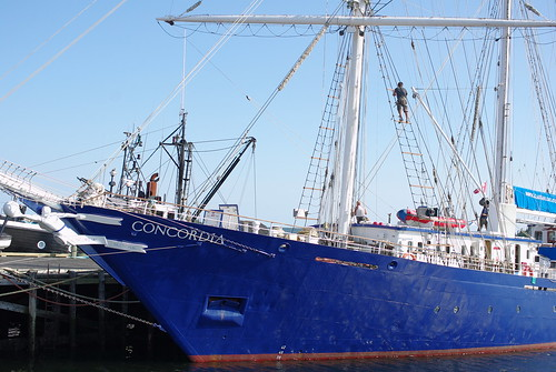how to get from halifax to lunenberg nova scotia