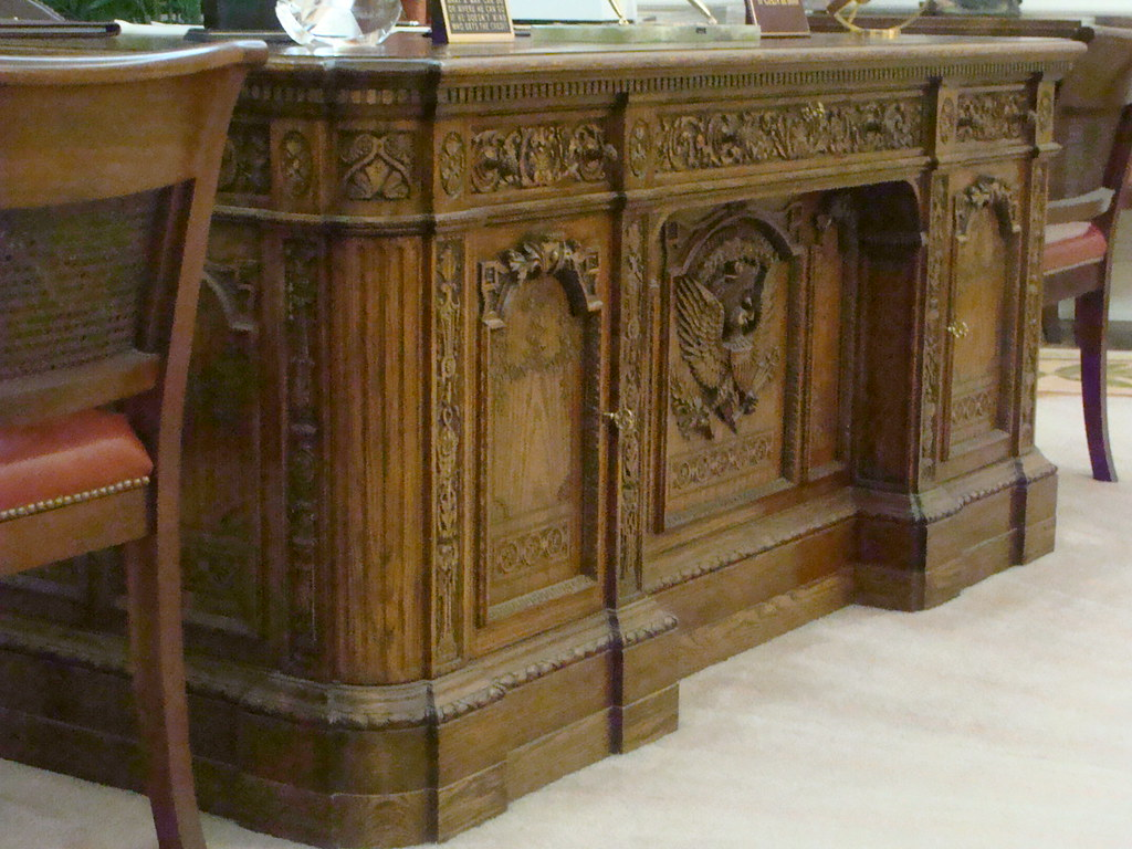 oval office desk replica. california resolute desk replica oval office ronald reagan presidential library simi valley c
