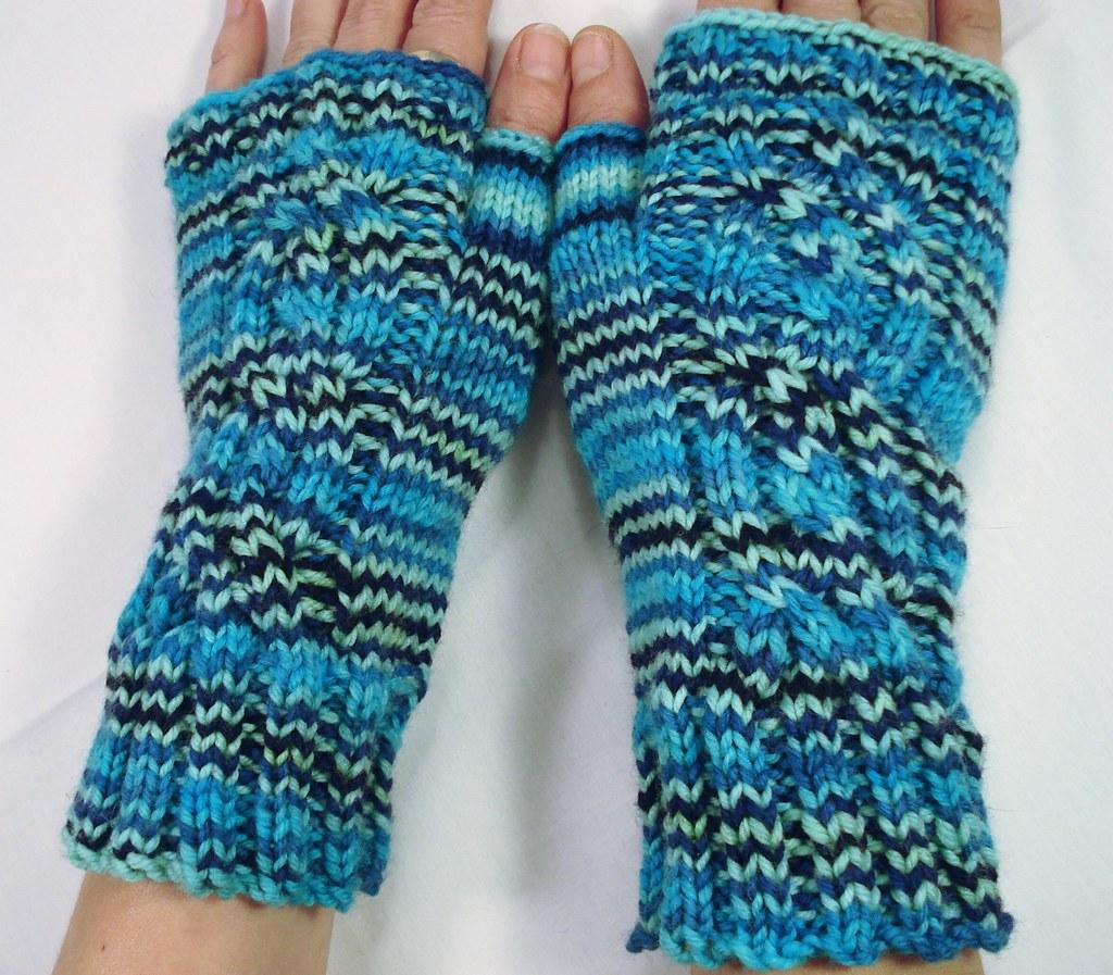 BLUE MAN GROUP hand knit fingerless gloves | Beth Lower | Flickr