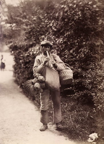 Basket vendor, Lysekil, Sweden | by Swedish National Heritage Board