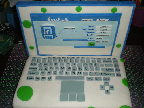Laptop Facebook Cake | by SmyleyBearS