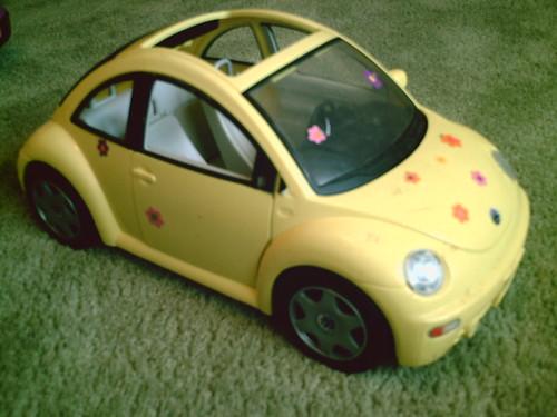BARBIE YELLOW VW BEETLE FLOWER POWER BUG $8. | ONE BARBIE YE… | Flickr
