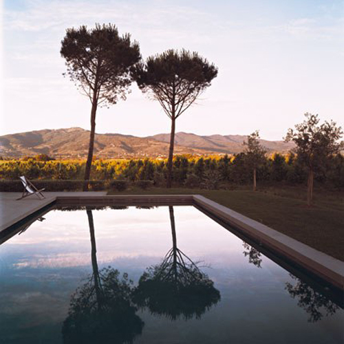old farmhouse in tuscany, italy | by the style files