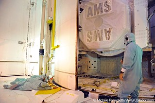 08 Shuttle doors closing - Photo Credit: Michele Famiglietti AMS-02 Collaboration | by ams02web