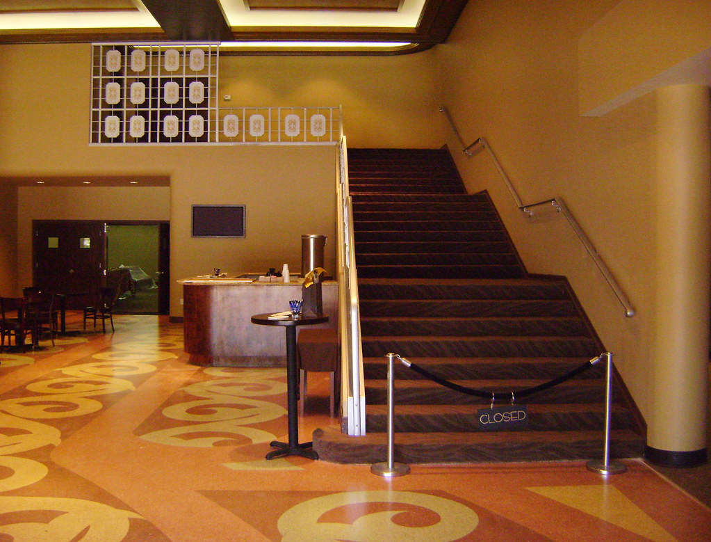 Former Garden Oaks Theater, interior, 3750 N. Shepherd, Ho… | Flickr