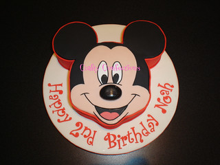 Mickey Mouse Face Cake | by Crafty Confections