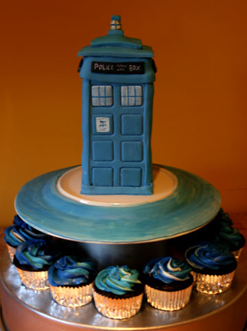 Doctor Who Tardis Cake Doctor Who Fans I give you the Tar Flickr