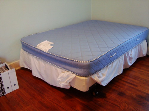 full size mattress and box spring gently used bed frame a flickr. Black Bedroom Furniture Sets. Home Design Ideas