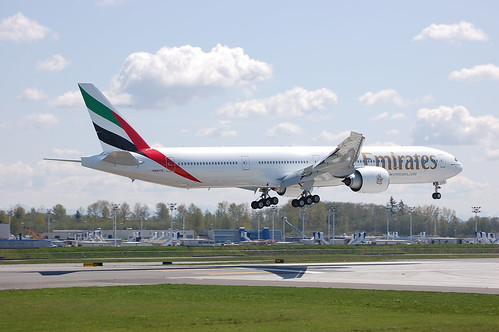 Emirates N5017V | by Rich Snyder--Jetarazzi Photography