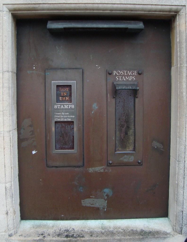 Shaftesbury Post Office Oou Stamp Vending Machines Flickr