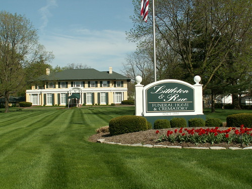 Littleton 39 S Funeral Home Just A Gorgeous Building On