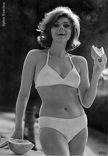 Hairstyle 1967 Sylva Koscina Mizur Flickr