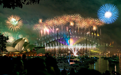 sydney habour bridge & opera house fireworks new year eve 2008 | by Linh_rOm