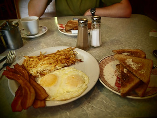 05.16.10 : breakfast at the mayflower | by PJ Taylor Photo