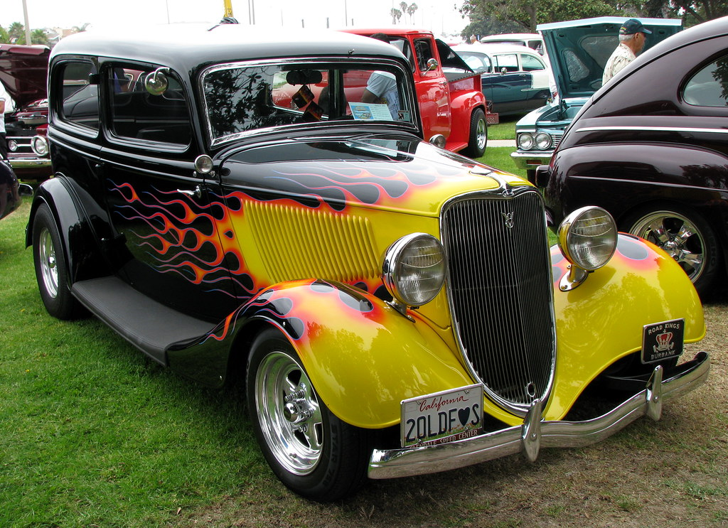 1933 Ford Sedan Hot Rod   What a great paint job! A work of …   Flickr