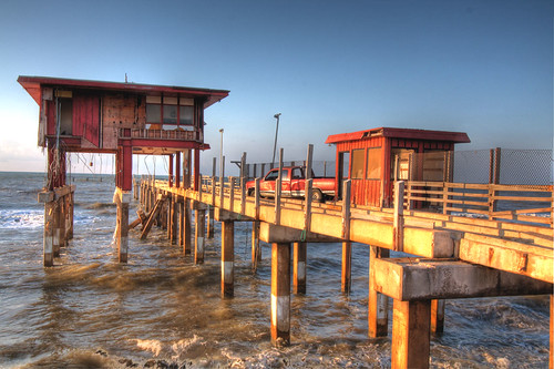 Galveston fishing pier truck was stuck on the pier for Galveston pier fishing