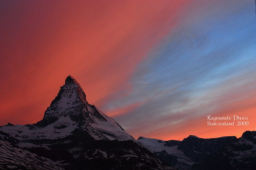 Matterhorn sunrise at Riffelberg | by raymondccc