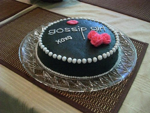 Gossip Girl theme cake decorations in buttercream Flickr