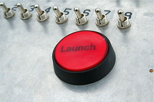 Launch Button 2 3 4 5 6 7 8-- SMASH Rocket Club 5-9-09 3 | by stevendepolo
