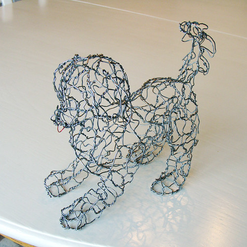 Wire sculpture puppy left front wire sculpture by ruth for 3d wire art