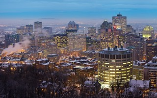 Skyline montreal quebec canada at twilight panorama for Trodel mobel
