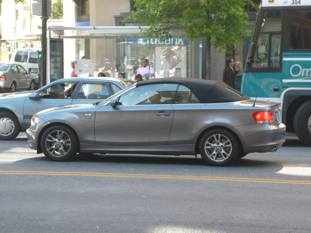 BMW 1-Series Convertible | A 1-Series softtop in downtown DC… | Flickr